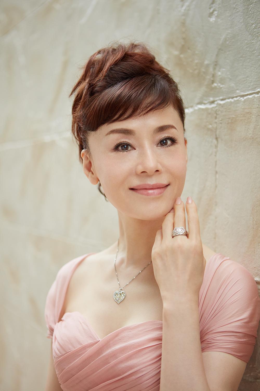 あまりにも綺麗すぎて、おばあちゃんって感じではないですよね。大地真央さんの娘役が木村多江さんっ\u2026